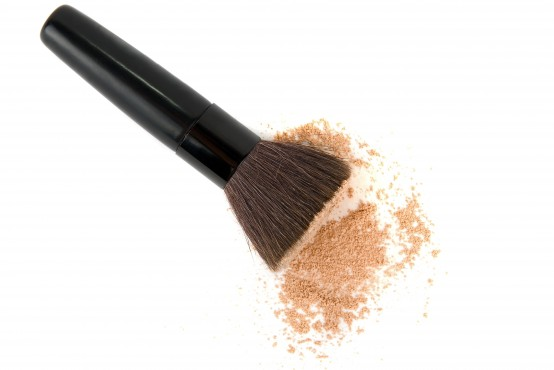 mineral-makeup-brush-554x370